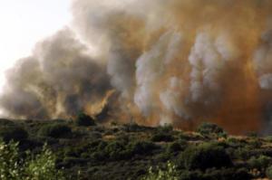 """Πολιτική Προστασία: Σε επιφυλακή για φωτιές την Τρίτη – Ποιες περιοχές είναι στο """"κόκκινο"""""""