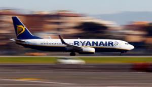 Ανώμαλη προσγείωση για χιλιάδες υπαλλήλους της Ryanair
