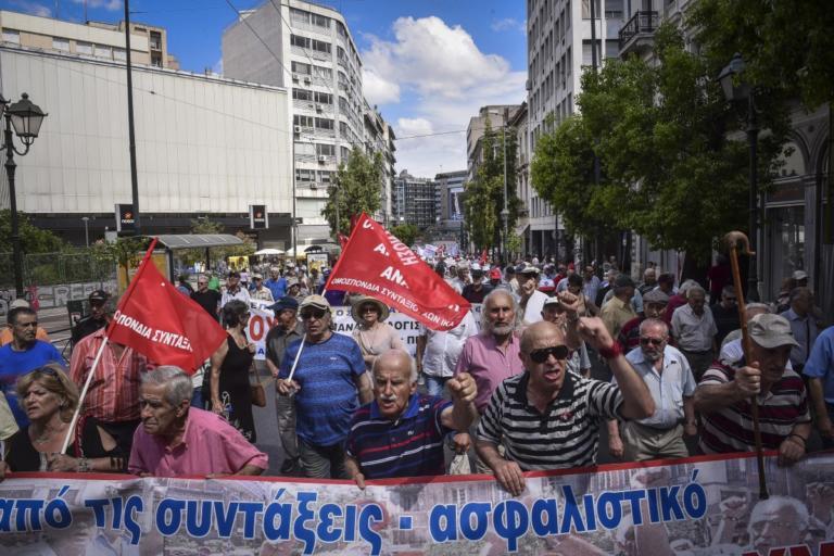 Όλη η αλήθεια για τις συντάξεις – ο νόμος Κατρούγκαλου εφαρμόζεται εδώ και 2,5 χρόνια | Newsit.gr