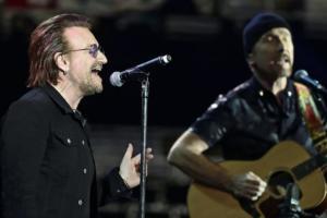 Έχασε την φωνή του ο Bono και διακόπηκε η συναυλία! [video]