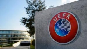 Στέλεχος της UEFA με τη φανέλα του ΠΑΟΚ στην κορυφή του Ολύμπου! [pic]
