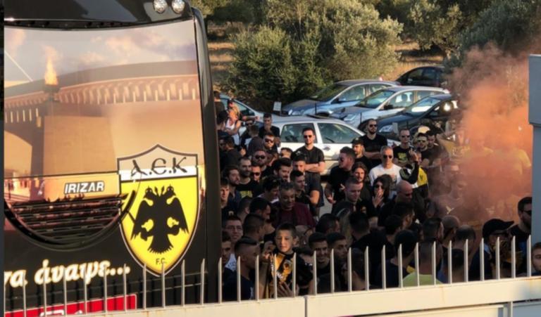ΠΑΟΚ – ΑΕΚ: «Ντόπες» των οπαδών στα Σπάτα! Τα λόγια στους παίκτες της Ένωσης [pic] | Newsit.gr