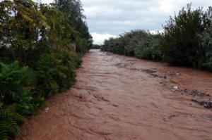 Άργος: Πλημμύρες, ζημιές και εγκλωβισμένοι άνθρωποι – Ο ποταμός Ξεριάς ξεχύθηκε στην πόλη [pics, video]