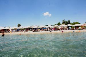 """""""Μπαίνουν"""" οι μπουλντόζες σε αυθαίρετα χρόνων! Θα ισοπεδώσουν και beach bar"""