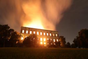 Κόλαση φωτιάς στη Βραζιλία – Στάχτη το Εθνικό Μουσείο του Ρίο – video
