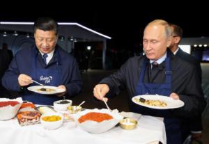 Το χαβιάρι μαύρο, η βότκα ρωσική – Το νέο κατόρθωμα του Πούτιν [video]