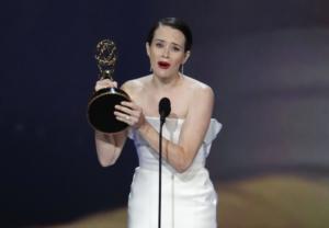 Τα δάκρυα της Βασίλισσας στα Emmy [video]