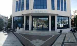 Amber Alert! Το γλυπτό «Η μοναχική πορεία του κόσμου» εξαφανίστηκε μπροστά από το Δημαρχείο της Αγίας Βαρβάρας