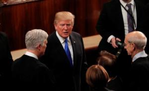 Τραμπ: Φοβάται κυβερνητικό «shutdown» λόγω του τείχους στο Μεξικό