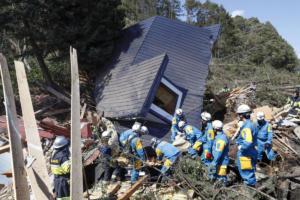 Εικόνες αποκάλυψης από το σεισμό στην Ιαπωνία