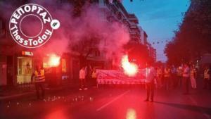 Θεσσαλονίκη: Με πυρσούς η διαμαρτυρία των ένστολων – video