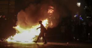 """Συγκλονίζει ο Τάσος Ασλανίδης για την επίθεση από άνδρες των ΜΑΤ! """"Με έπιασε από τον λαιμό"""""""