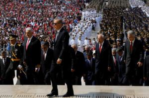 Ερντογάν: Δολάριο τέλος στις εμπορικές μας συναλλαγές με την Ρωσία