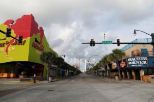 Η Φλόρενς τρομοκρατεί τις ΗΠΑ – Ερήμωσαν πόλεις – Έτοιμοι για τον απειλητικό κυκλώνα
