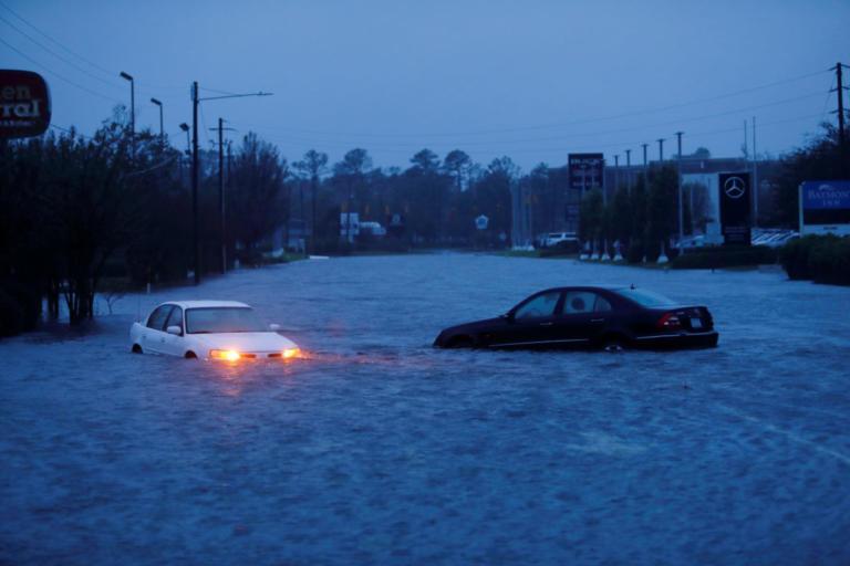 ΗΠΑ: Σπέρνει τον θάνατο στην Βόρεια Καρολίνα ο κυκλώνας Φλόρενς – Στους 7 οι νεκροί – video | Newsit.gr