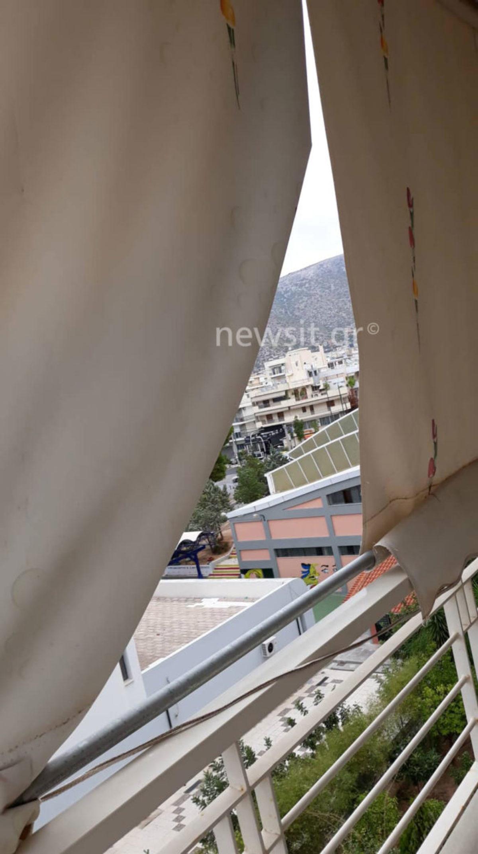Α, ρε Ξενοφώντα! Σκισμένες τέντες στη Γλυφάδα, πεσμένα δέντρα στο Χαλάνδρι! [pics]   Newsit.gr