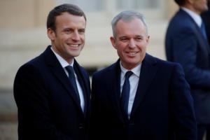 Γαλλία: Υπουργός Οικολογικής Μετάβασης ο Φρανσουά ντε Ρουζί – Μια πρωταθλήτρια κολύμβησης στο υπ. Αθλητισμού [pics]