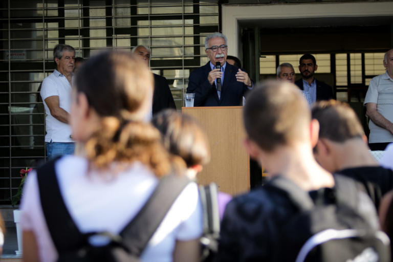 Γαβρόγλου: Σχολείο στις 09:00 για να… σταματήσουν οι καυγάδες