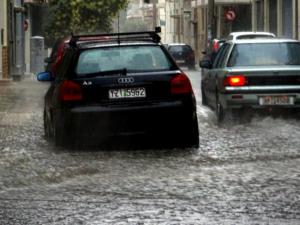 Καιρός: Αλλάζει το σκηνικό και γίνεται Φθινοπωρινό! Έρχονται βροχές και καταιγίδες