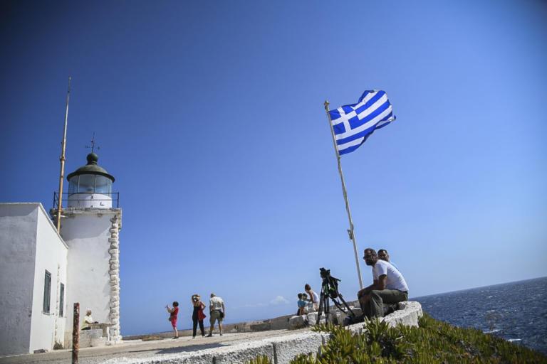 Καιρός: Απ' όλα έχει ο «μπαχτσές» την Τρίτη – Λιακάδα, συννεφιές αλλά και… βροχές | Newsit.gr
