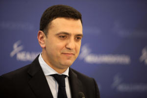Κικίλιας: Ποιος έδωσε εντολή στη ΔΕΗ να αγοράσει εταιρία συνεργάτη του Ζάεφ;
