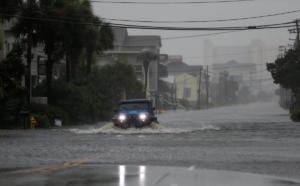 Καρολίνα: Τέσσερις νεκροί από τον φονικό κυκλώνα Φλόρενς – Ποτάμια οι δρόμοι, εκατοντάδες χιλιάδες σπίτια χωρίς ρεύμα – video