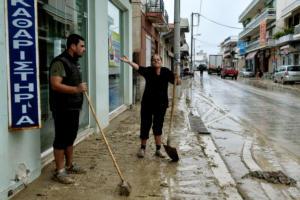 Κορινθία: Τα στενά της απελπισίας – Το Κιάτο κομμένο στα δύο – Διαλυμένοι δρόμοι και κλειστά σχολεία [pics, video]