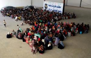 Απόλυτο χάος στην Λιβύη: Εκατοντάδες μετανάστες διέφυγαν από κέντρο κράτησης