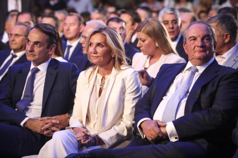 ΔΕΘ 2018: «Έλαμψε» στα ολόλευκα η Μαρέβα Μητσοτάκη – Δίπλα – δίπλα με τον Κώστα Καραμανλή [pics]   Newsit.gr