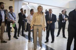 Μαρέβα Μητσοτάκη: Χαμογελαστή και στα… μπεζ [pics]