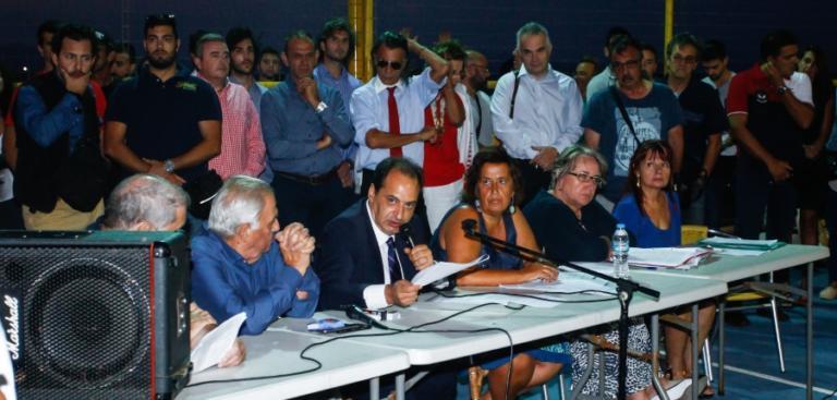 Μάτι: Αυτά «άκουσαν» Σπίρτζης και… Ψινάκης από τους κατοίκους! [pics] | Newsit.gr