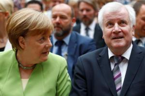 Γερμανία: Αποχώρησε από την ηγεσία του CSU ο Χορστ Ζεεχόφερ