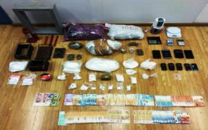 Μεγάλη αστυνομική επιχείρηση για κύκλωμα ναρκωτικών στην Αττική – Τρεις συλλήψεις [pics]