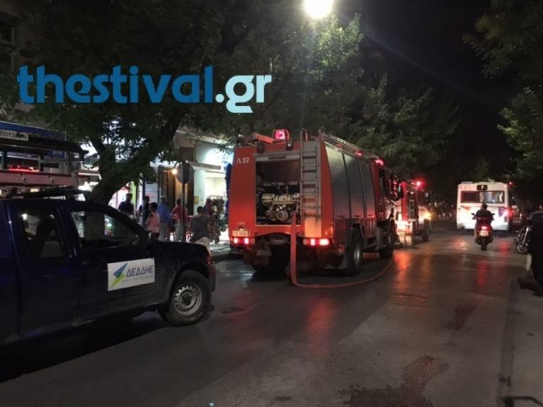 Φωτιά σε Ι.Χ μετά από σύγκρουση με λεωφορείο του ΟΑΣΘ   Newsit.gr