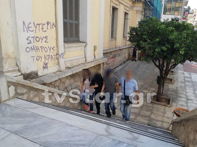 """Λουριά, φίμωτρα και όπλα – Οι """"σκλάβες"""" αποκαλύπτουν τι γινόταν στη Λαμία   Newsit.gr"""