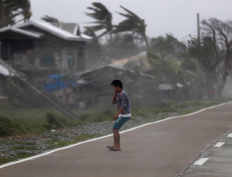 Σκορπά θάνατο ο υπερτυφώνας Μανγκούτ στις Φιλιππίνες, 30 οι νεκροί – video   Newsit.gr