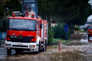 «Έσπασαν» τα τηλέφωνα στην Πυροσβεστική – 1800 κλήσεις από πολίτες για βοήθεια