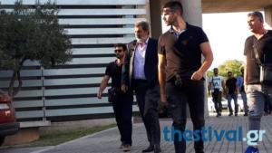 Με συνθήματα υποδέχτηκαν τον Πολάκη στο δημαρχείο Θεσσαλονίκης – Video