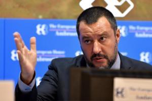 Σαλβίνι απειλεί Ευρωπαϊκή Ένωση για το μεταναστευτικό!