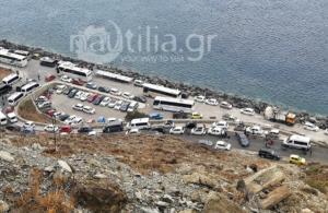 Σαντορίνη: Η εξήγηση πίσω από τις εικόνες ντροπής στο λιμάνι – Οι ουρές και το σχέδιο του λιμενικού – video