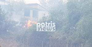 Πύργος – Φωτιά στη Σπιάτζα: Κάηκαν παραπήγματα! Δόθηκε εντολή εκκένωσης