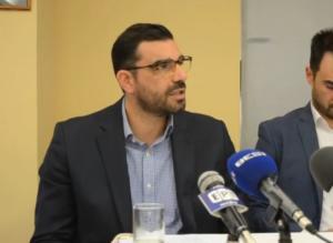 Κωνσταντινέας: Η πατριωτική στάση δε μπορεί να εκφράζεται με μπουνιές και κλωτσιές – video