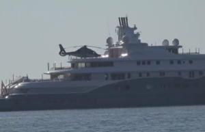 Μύκονος: Η θαλαμηγός των 280.000.000 ευρώ – Ο εμίρης που έδειξε το πορτοφόλι του και έκανε επίδειξη δύναμης – video