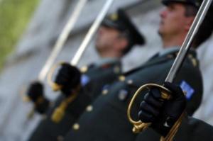 Αναδρομικά στρατιωτικών: Από τον ερχόμενο μήνα οι επιστροφές – Πίνακες με τα ποσά