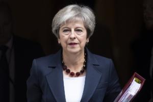 Αντίθετη η Μέι σε νέα πρόταση της ΕΕ για τα Ιρλανδικά σύνορα