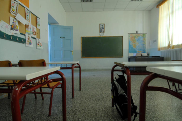 Πανελλήνιες: 364 φιλόλογοι κατά Γαβρόγλου για την κατάργηση των Λατινικών | Newsit.gr