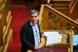 Τσακαλώτος: Μπορούμε να μην προχωρήσουμε σε μείωση συντάξεων και αφορολόγητου!