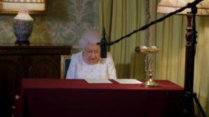 Βασίλισσα Ελισάβετ: Το απρόοπτο στην ηχογράφηση του χριστουγεννιάτικου μηνύματος! Πώς αντέδρασε – Video