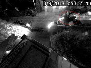 """Κλοπή αυτοκινήτου στην κάμερα – Έτσι """"χτυπούν"""" οι κλέφτες – Δεν τους σταμάτησε ούτε ο συναγερμός – video"""
