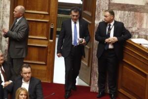 Βρούτσης: Θα ψηφίσουμε την τροπολογία για τον κατώτατο μισθό